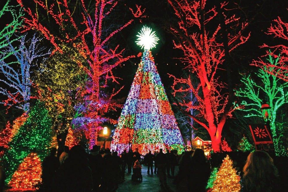 Christmas-on-Main-Street-1_54_990x660.jpg