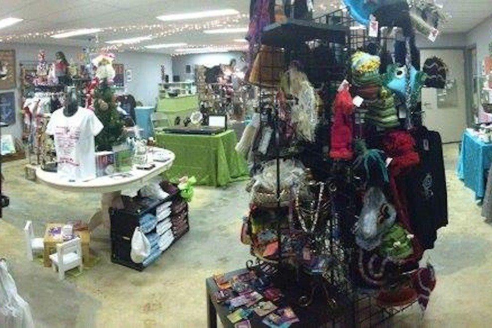 Christmas shopping shopping in memphis for Best places for christmas shopping