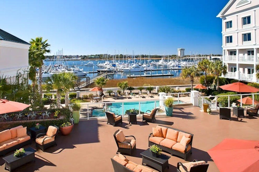 Courtyard Charleston Waterfront by Marriott: Charleston Hotels ...
