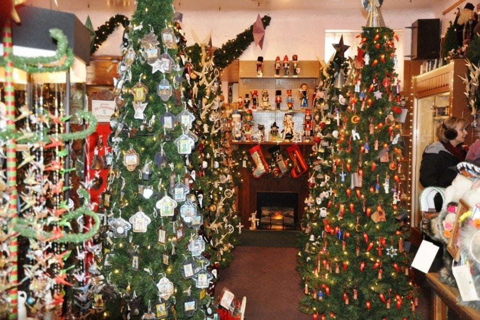The Shop - A Christmas Store
