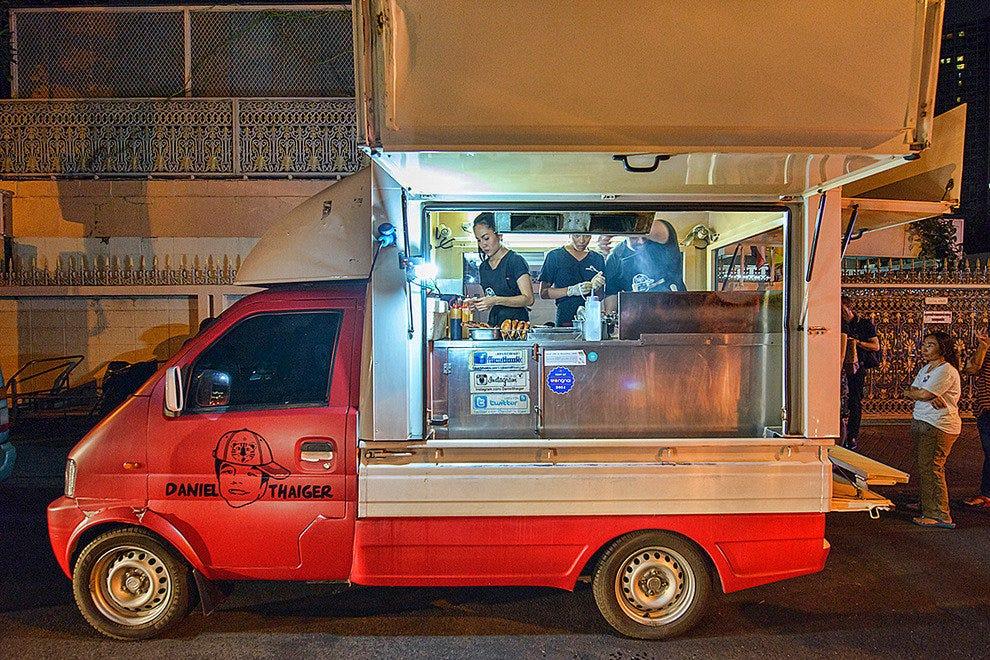Food Trucks: Restaurants in Bangkok