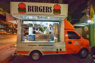 Food Trucks in Bangkok: The Mobile Gourmet Revolution Hits the Streets