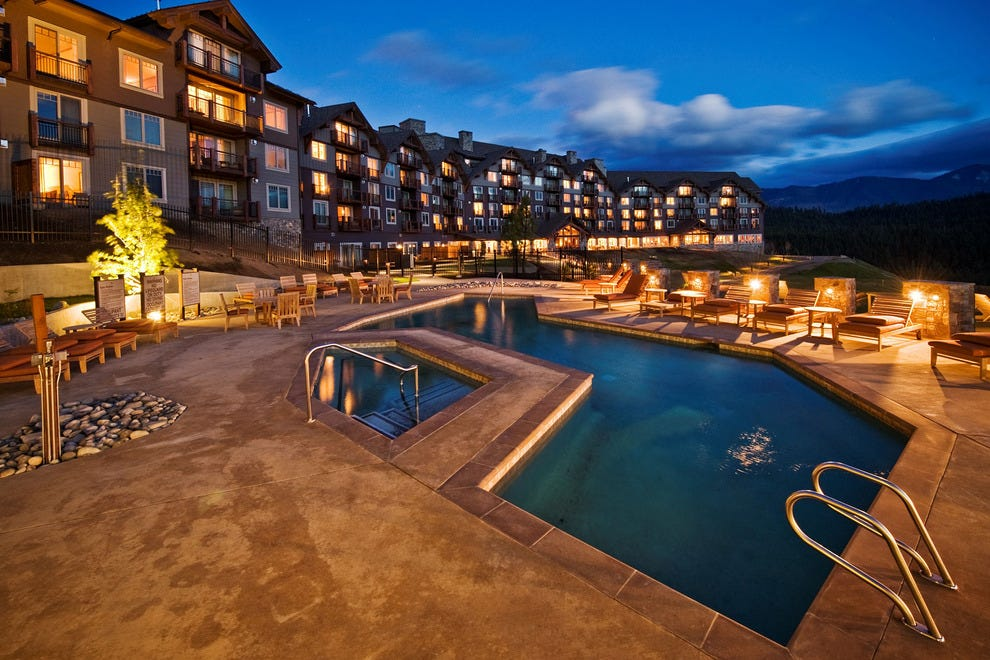 At Suncadia, pool dips come with awesome views and fresh, mountain air