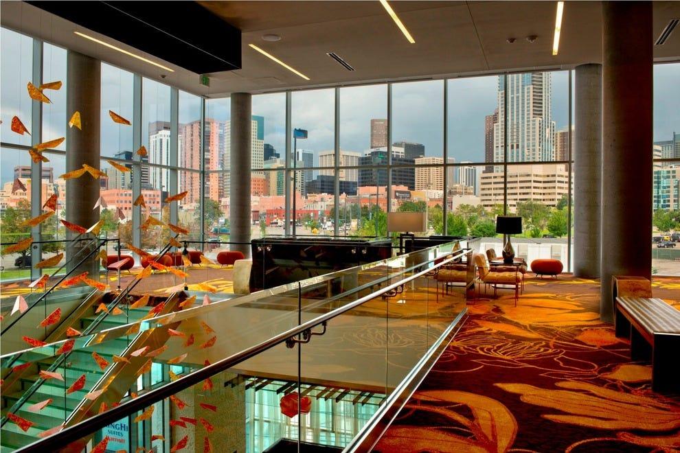 springhill suites denver downtown offers beer tasting tour. Black Bedroom Furniture Sets. Home Design Ideas