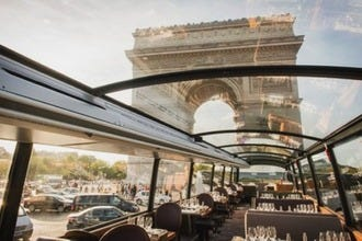 Bustronome: A Gourmet Nighttime Excursion through Paris
