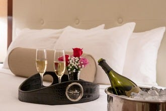 Romantic Hotels to Wow Your Sweetheart in Philadelphia