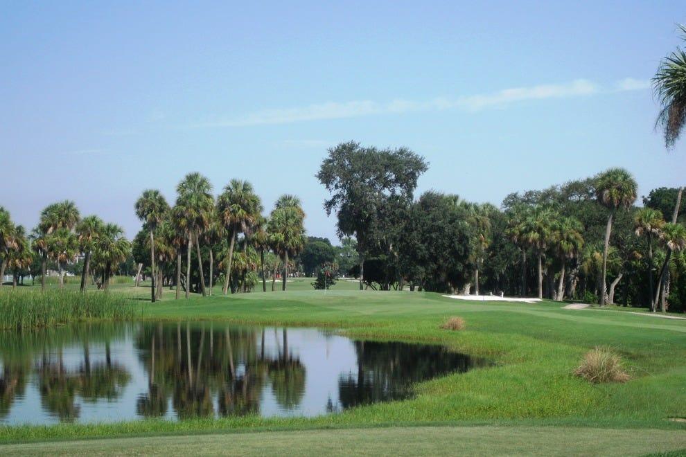 注意岩石角高尔夫球场的风,位于坦帕湾附近