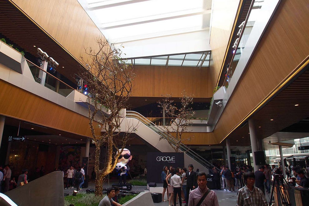 Interior of Groove@CentralWorld