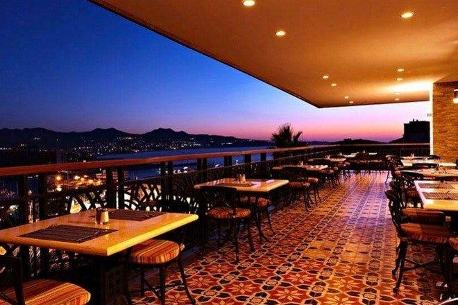 Pedregal Hills Pacific Ocean S Best Restaurants