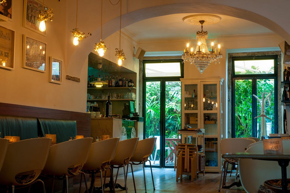 Royale caf in lisbon where good food meets good design for Cuisine design portugal