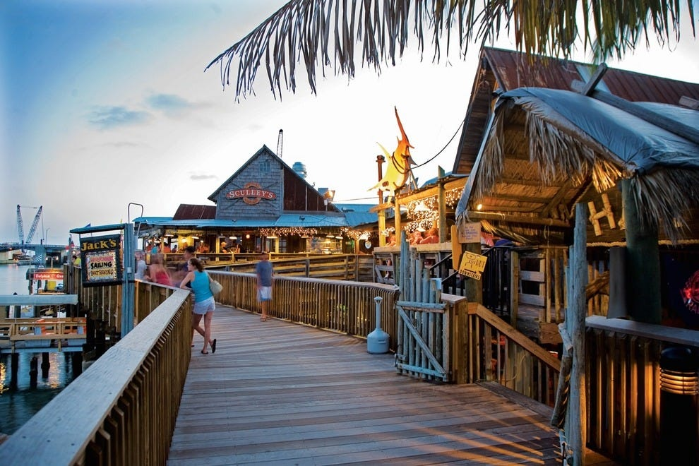 St petersburg clearwater attractions and activities for Craft fairs in clearwater fl