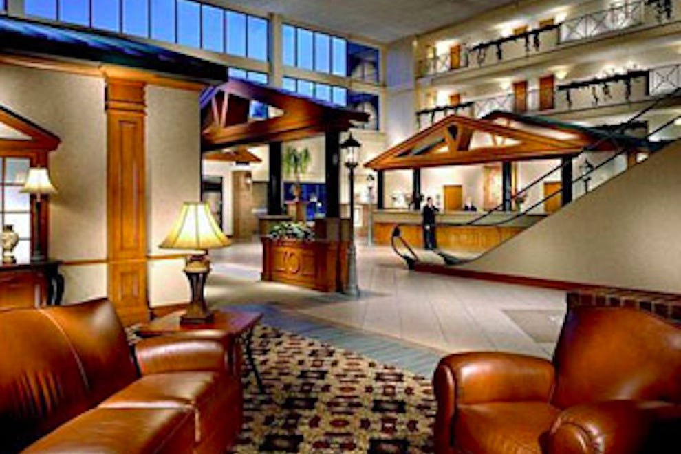 Holiday Inn University Of Memphis All Suite