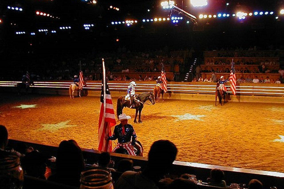 Dolly Parton S Dixie Stampede Dinner And Show Branson