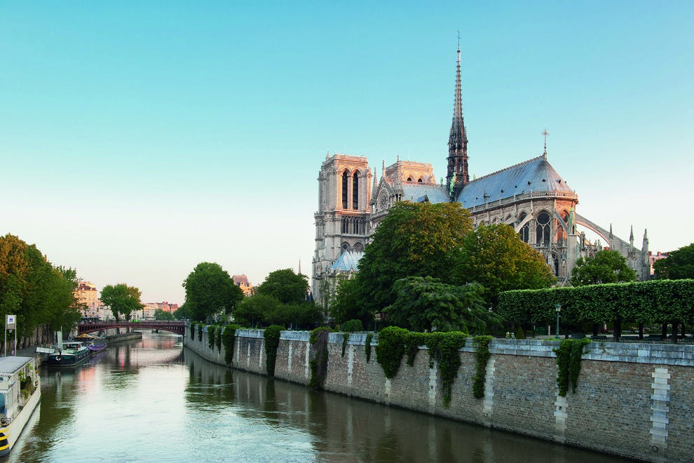 Paris has all of the right ingredients for romance here on the Île Saint-Louis