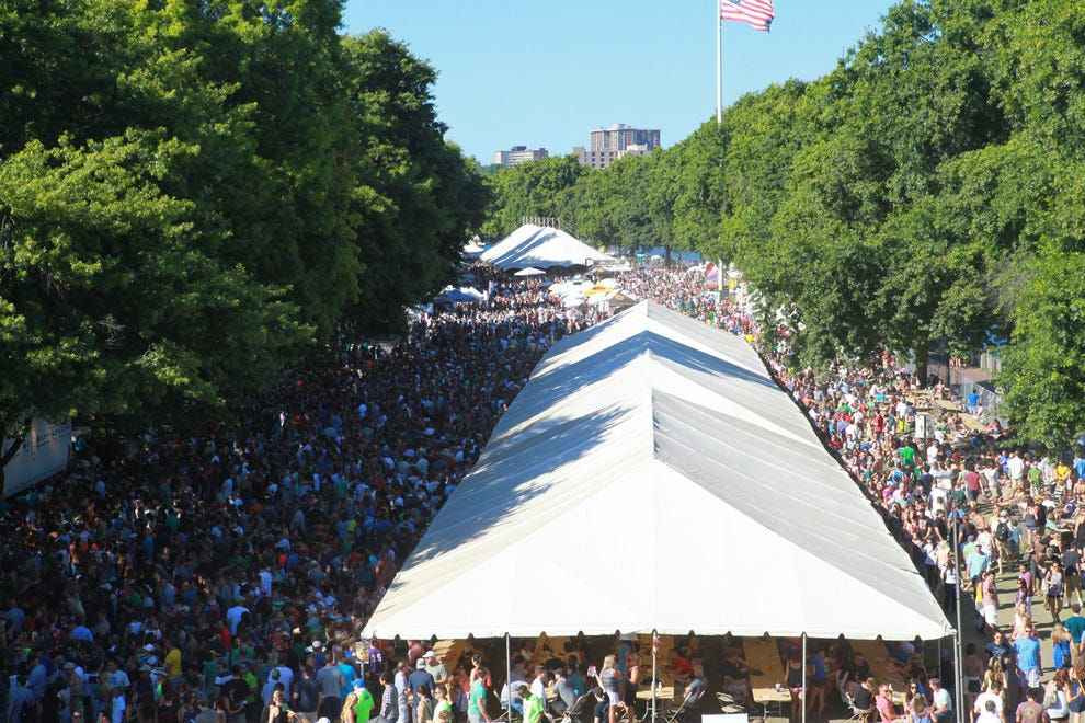Oregon Brewers Festival at Tom McCall Waterfront Park