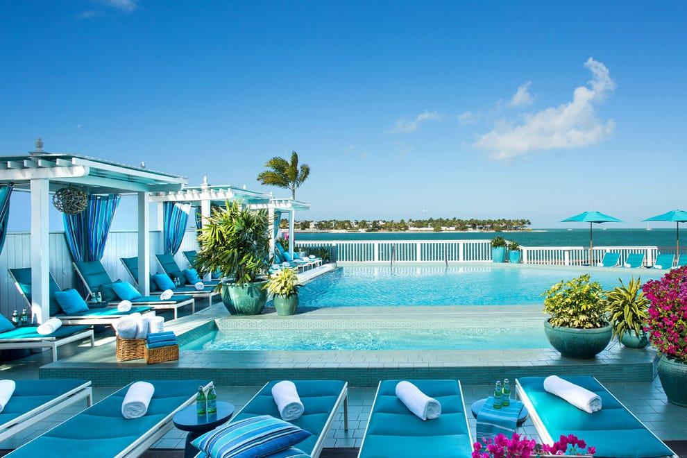 LIQUID Pool Bar Makes A Splash At Ocean Key Resort: Hotels