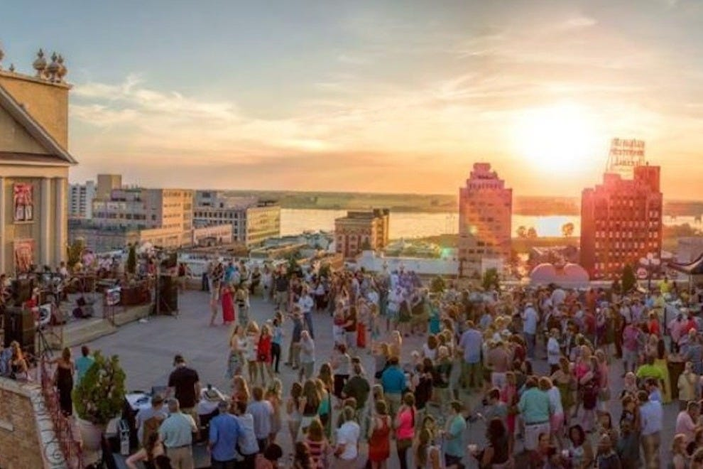The Peabody S Rooftop Party Series Celebrates Summer Fun