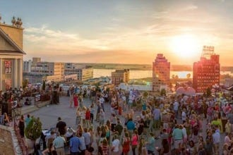 The Peabody's Rooftop Party Series Celebrates Summer Fun