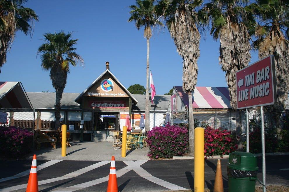火烈鸟岛跳蚤市场的主要入口