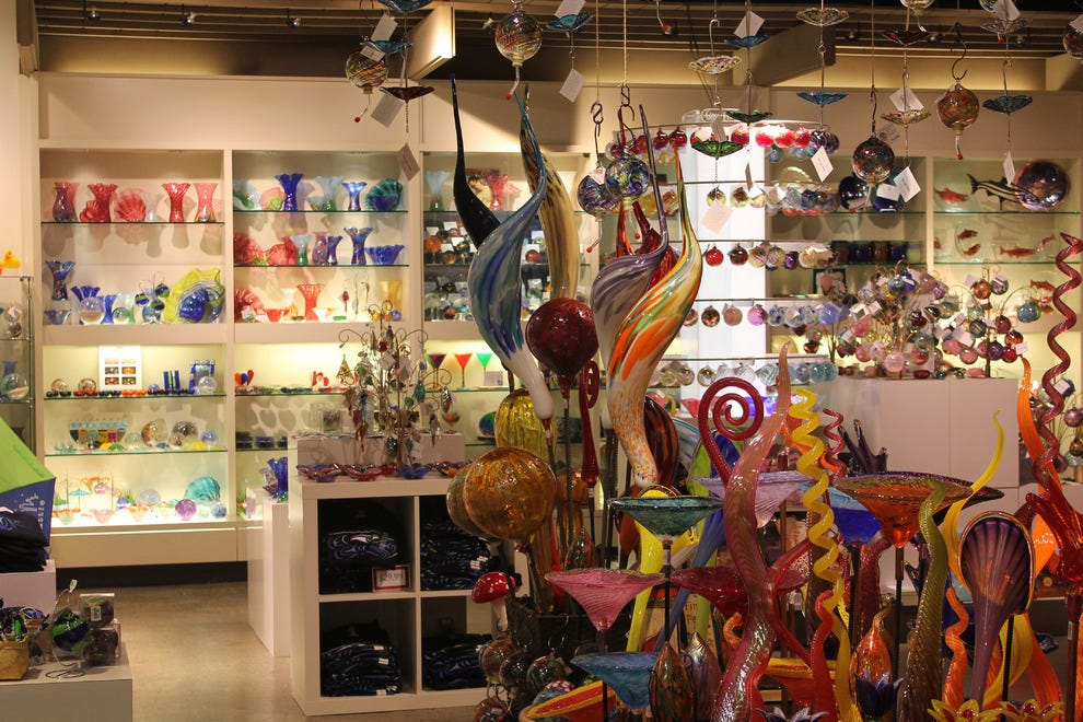 Made in Washington stores dazzle with vibrant color