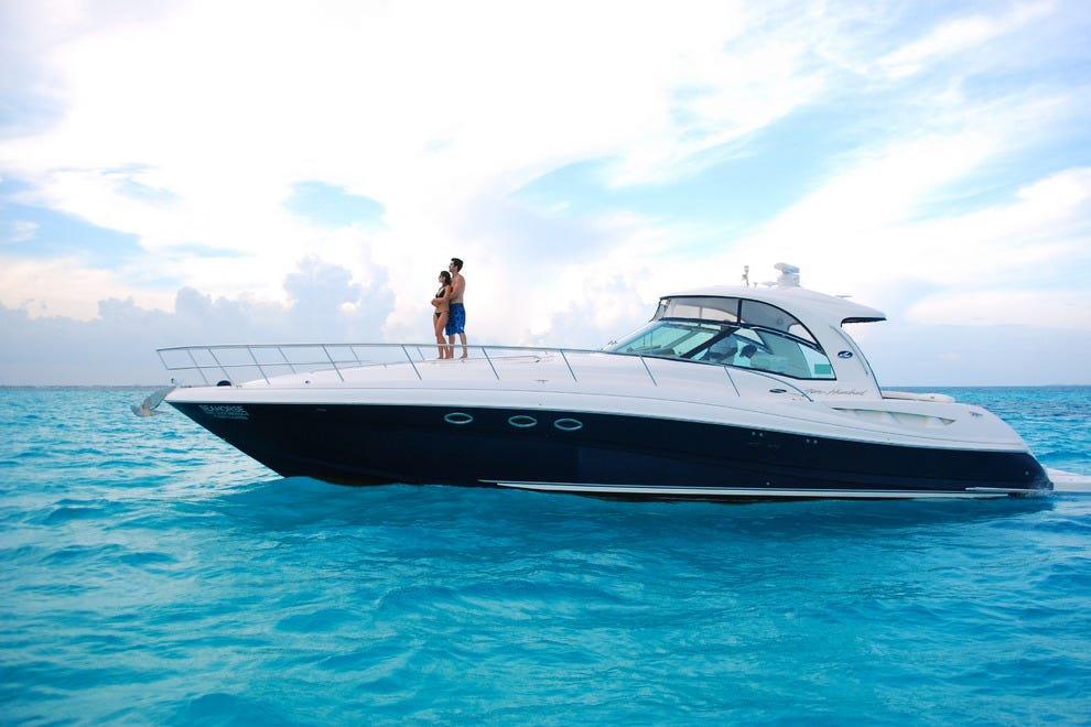 Renting a yacht in Cancun is more economical than you may think, if you have a large group
