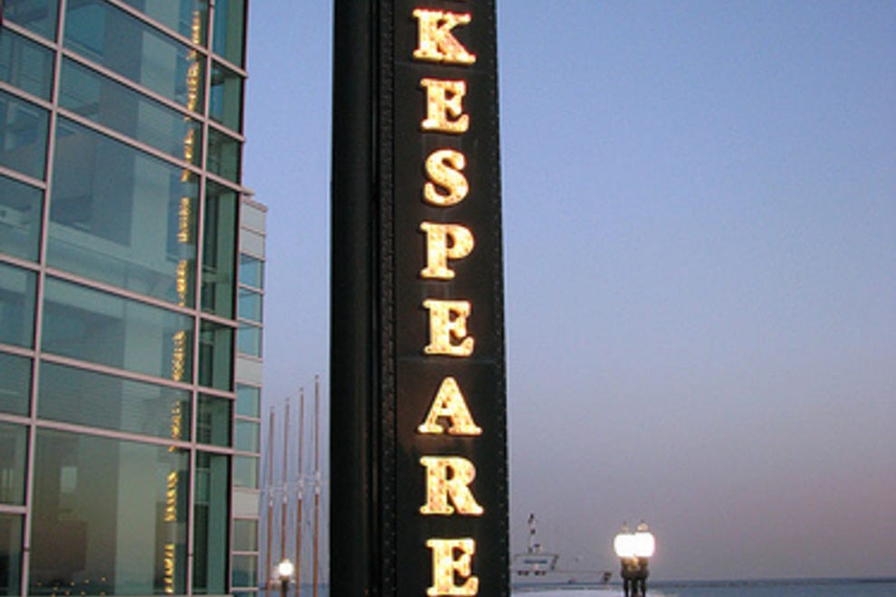 a review of the play alls well that ends well at the chicago shakespeare theater The bard on the boards  all's well that ends well long beach shakespeare company,  chicago shakespeare theater on navy pier,.