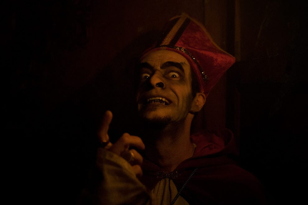 Cardinal Henry, Labirinto Lisboa's Grand Inquisitor, takes fiendish delight in warning visitors of the horrors ahead