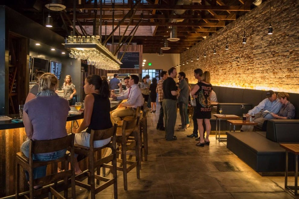 Drink Up At Tucsons Ermanos Craft Beer And Wine Bar Nightlife Article By 10Bestcom