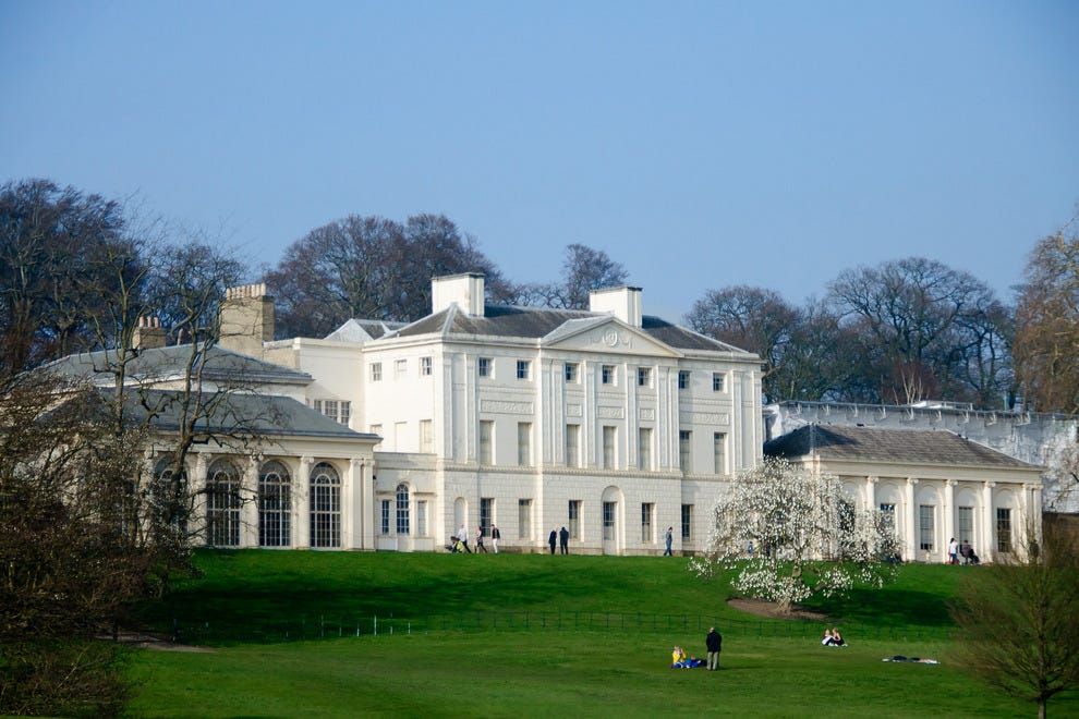 Kenwood House provides one of London's most coveted picnicking spots