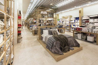 tara jarmon paris shopping review 10best experts and tourist reviews. Black Bedroom Furniture Sets. Home Design Ideas