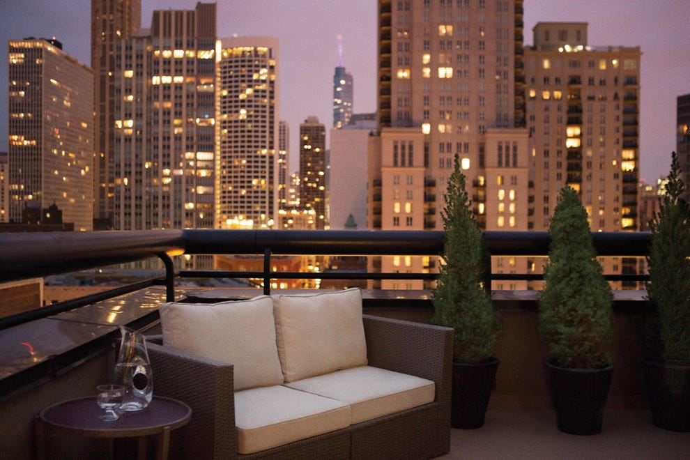 Chicago romantic hotels in chicago il romantic hotel for Budget hotels in chicago