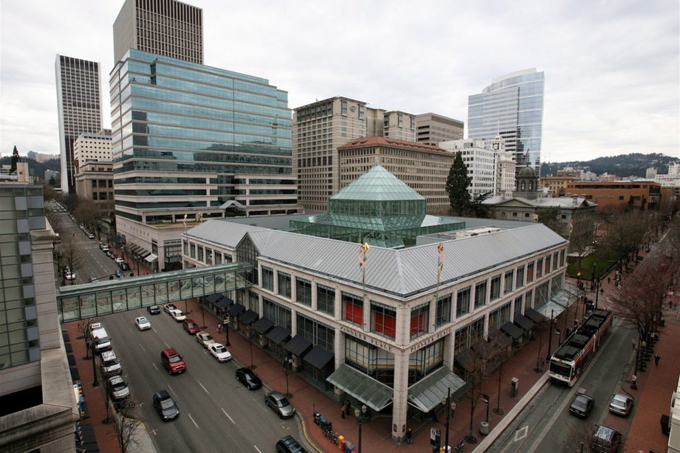 In the heart of downtown you'll find Pioneer Place — four city blocks filled with tax free shopping, dining and entertainment in Portland's retail core. Downtown's major shopping center is home to nearly stores, including Oregon exclusive locations of top designers like Louis Vuitton, Tiffany & Co., kate spade.