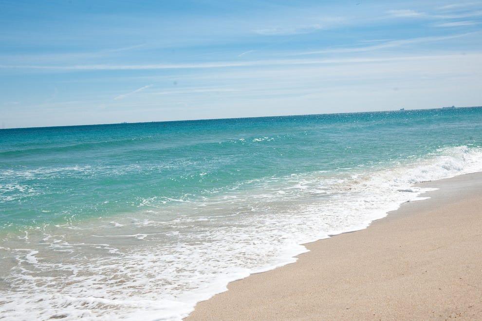 Laud Beach Resort