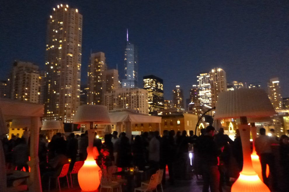 IO, the rooftop bar at The Godfrey Hotel in Chicago