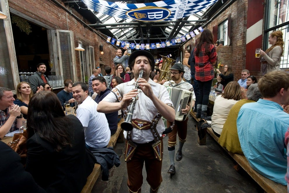 It's almost impossible to assume that this picture is about anything else but Oktoberfest!