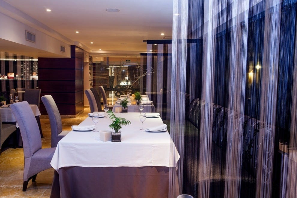 Benazuza is quiet, clean and simply decorated, allowing the cuisine to shine