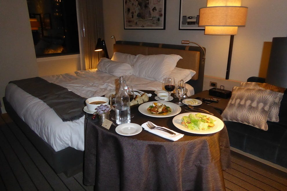In-room dining at the Thompson Chicago hotel