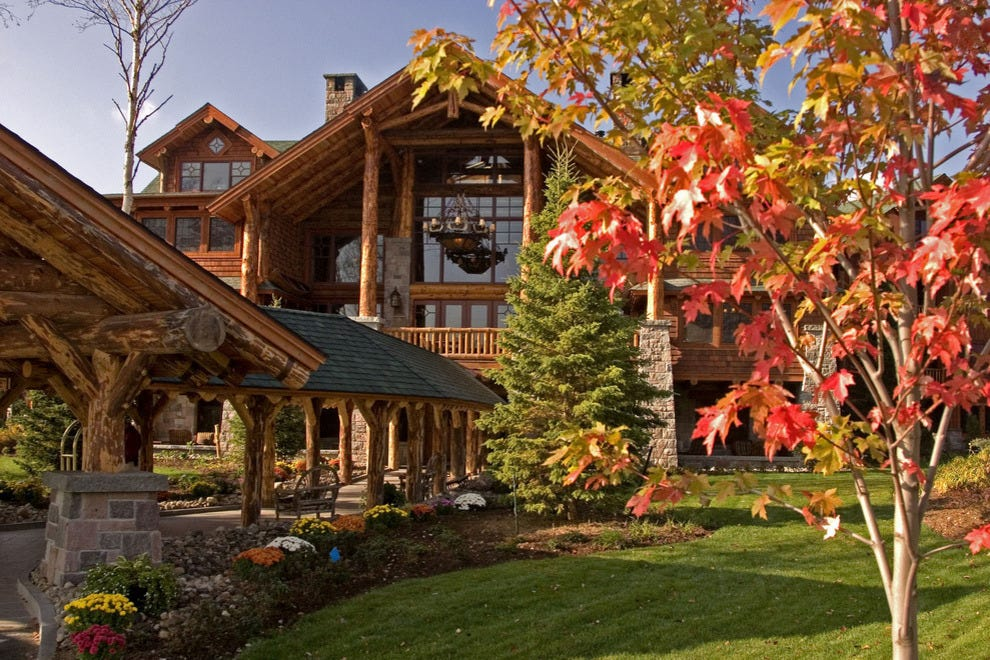 Room With A View: The Best Hotels For Autumn Leaf Peeping