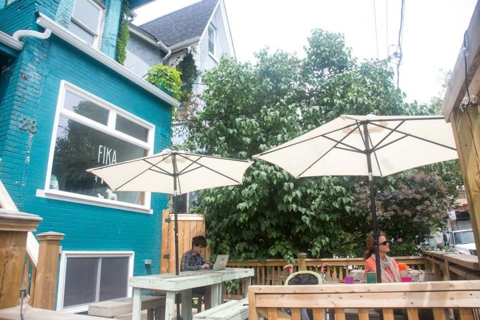 The two patios at FIKI are prime Kensington work spaces
