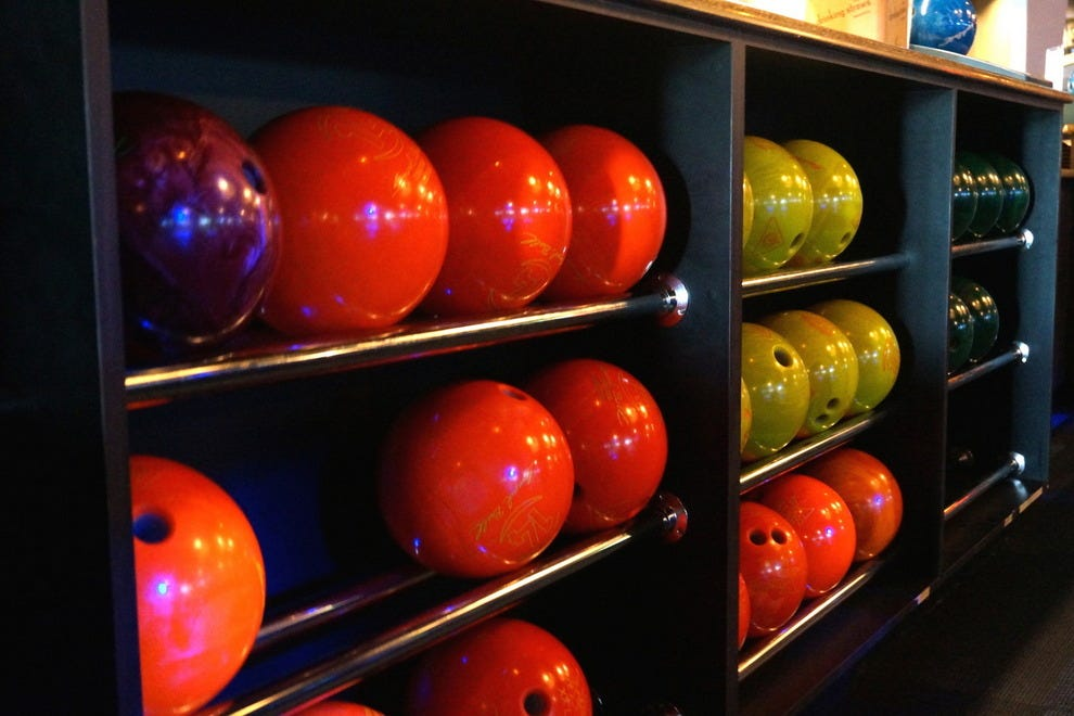 Find 28 lanes of bowling and some VIP style at HeadPinz
