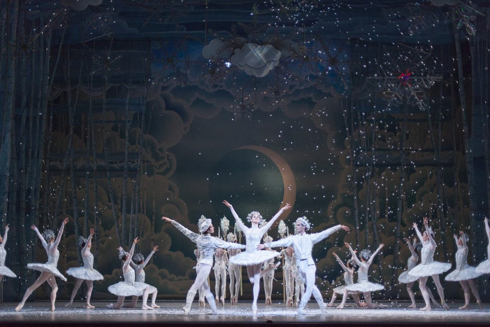 Alexandra MacDonald, Andreas Kaas and Félix Paquet with Artists of the Ballet in <i>The Nutcracker</i>