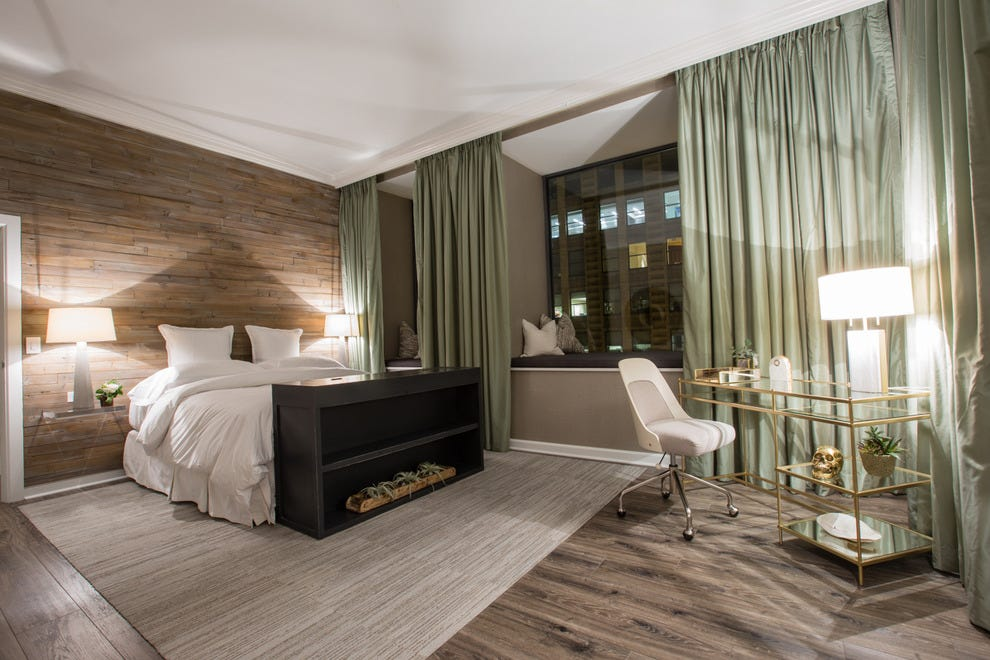 Serenity now chicago hotel offers sweet new serenity for Hotel monaco chicago