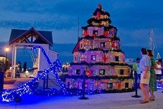 Yuletide Spirit with a Twist: Key West's 10 Best Holiday Attractions