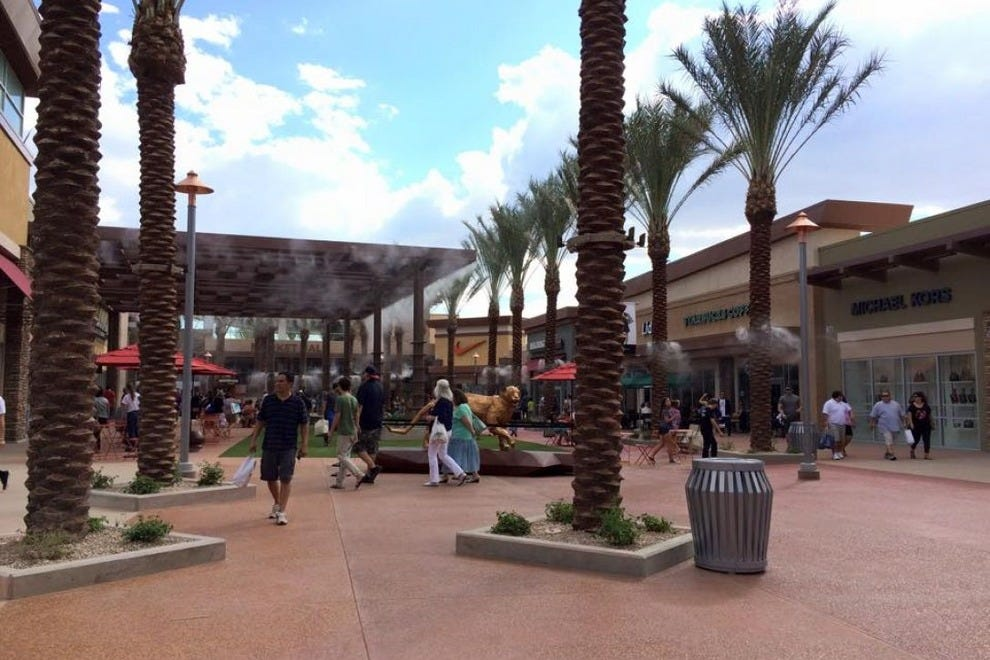 Tucson Premium Outlets features more than 60 retailers!