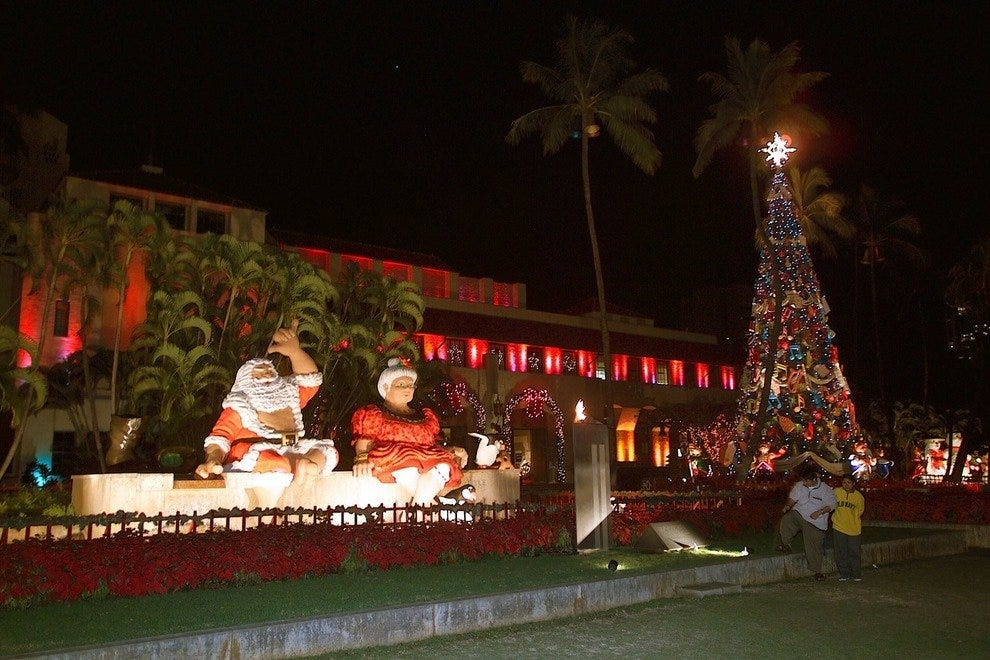 Christmas In Hawaii Decorations.Things To Do In December Attractions In Honolulu