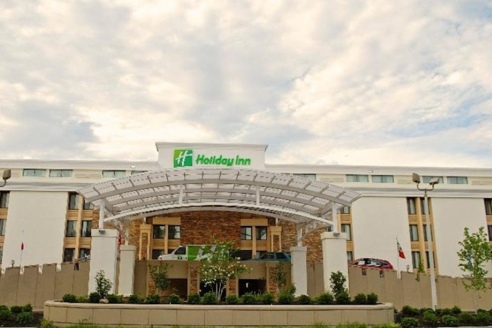 Holiday Inn Express American Way/Airport