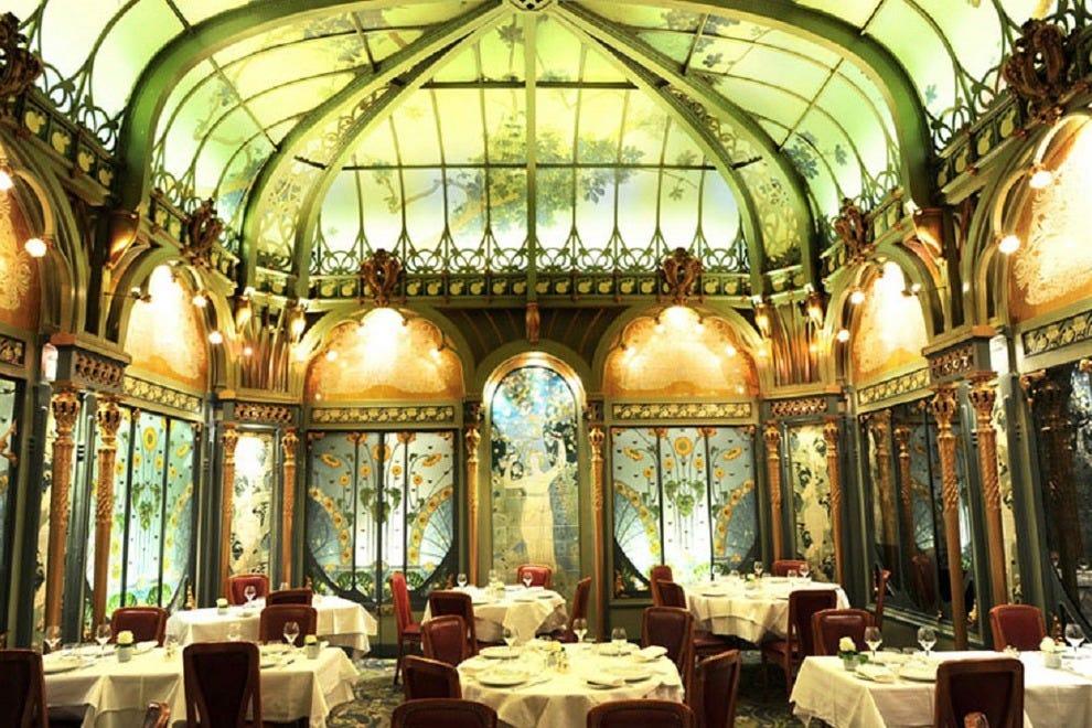 Paris romantic dining restaurants 10best restaurant reviews for Best dining rooms paris