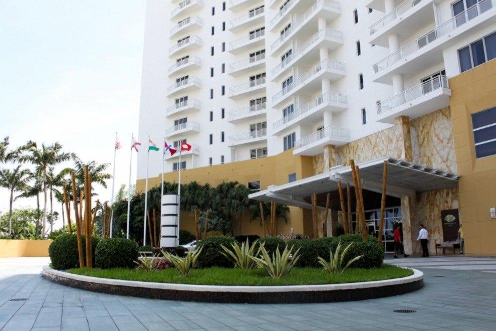 Nexxt Cafe Miami Beach Fl  Usa
