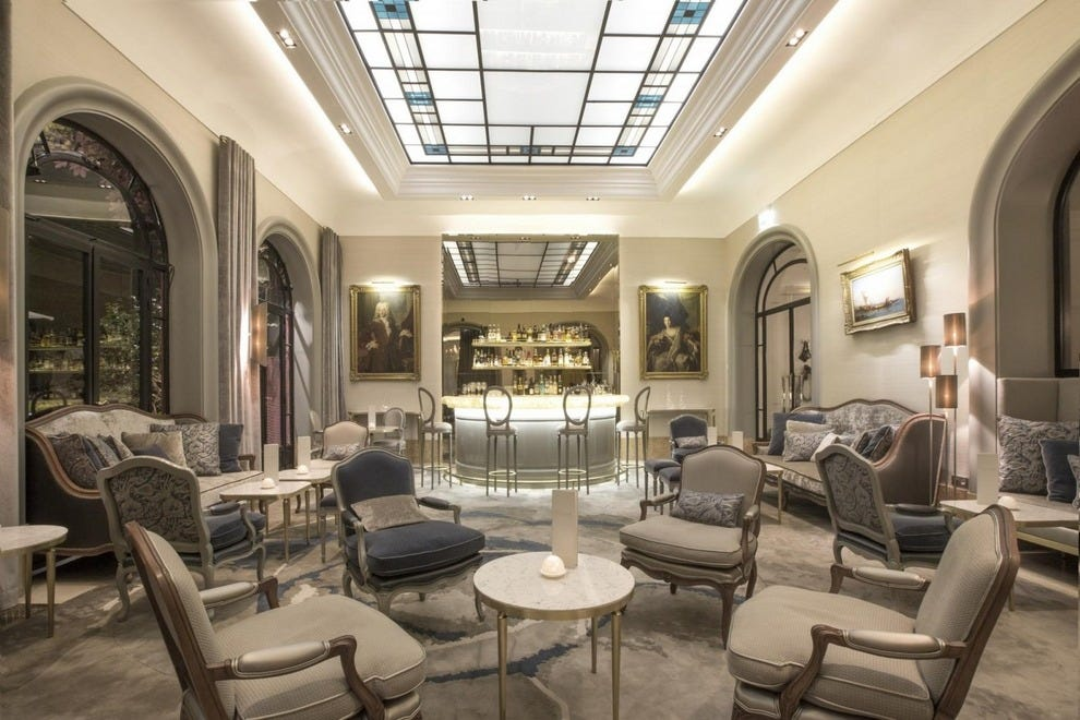 Paris luxury hotels in paris luxury hotel reviews 10best for Best design hotel france