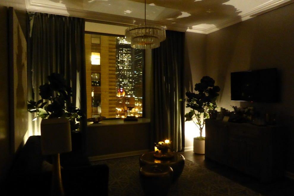Kimpton hotel monaco chicago chicago hotels review for Hotel monaco chicago